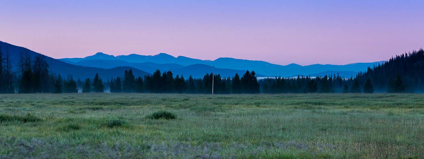 Before Sunrise in Kawuneeche Valley